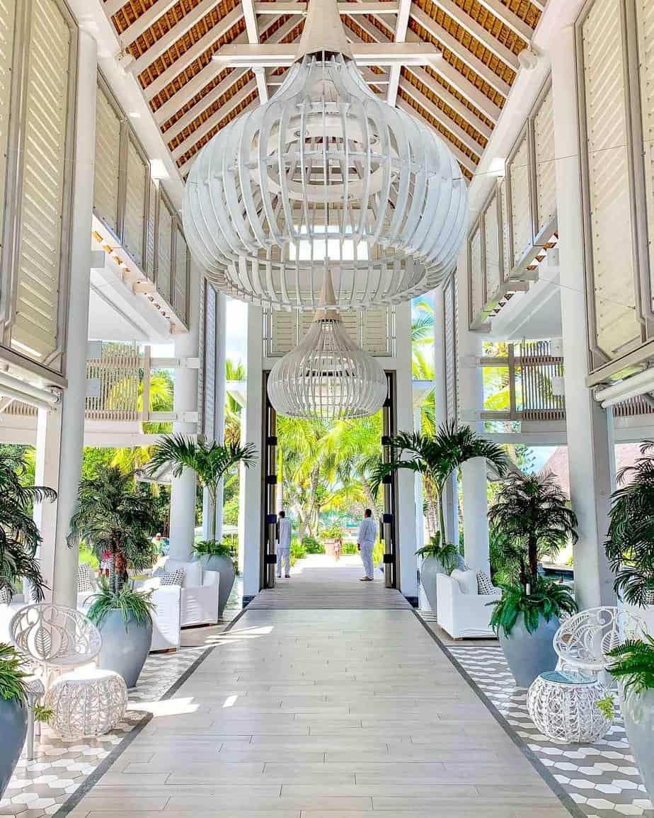 lux grand gaube foyer design