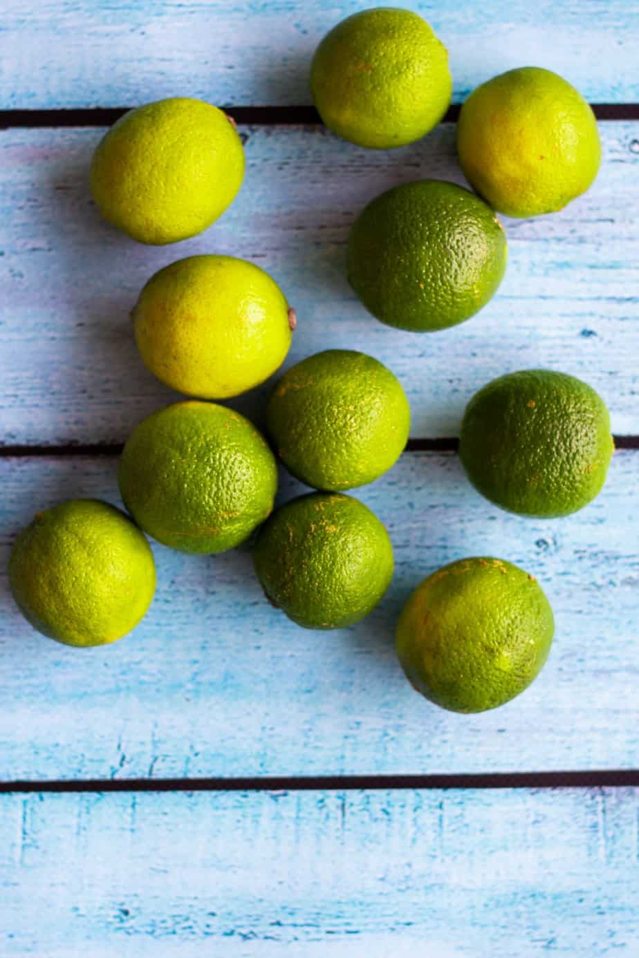 summer cocktail limes