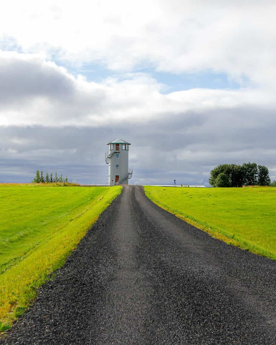 klettar tower main photo road iceland